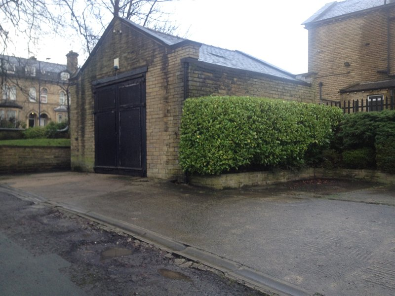Garage Unit – Manningham – BD8