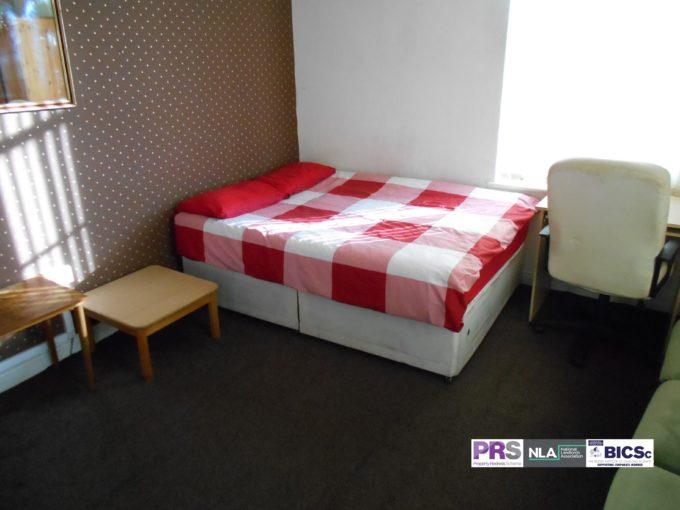 Double Room – 6-8 Hallfield – BD1