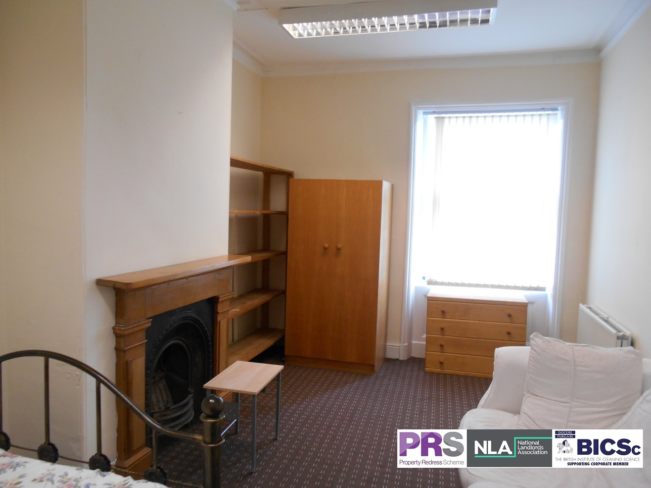 Double Room – 18 Hallfield – BD1